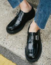 21431 - <b>4cm身長靴</b> <br>ベルトストラップモクシューズ<br> (5 mm) <br>